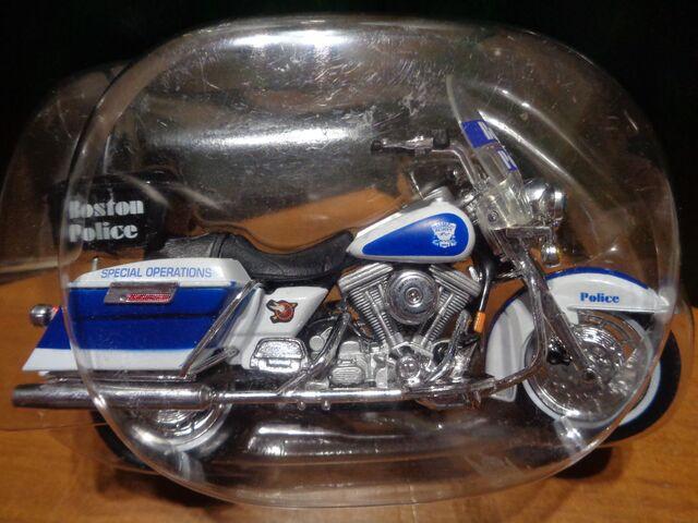 Harley Davidson – Policia Boston