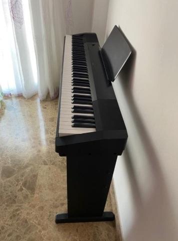 VENDO PIANO EN PERFECTO ESTADO - foto 3