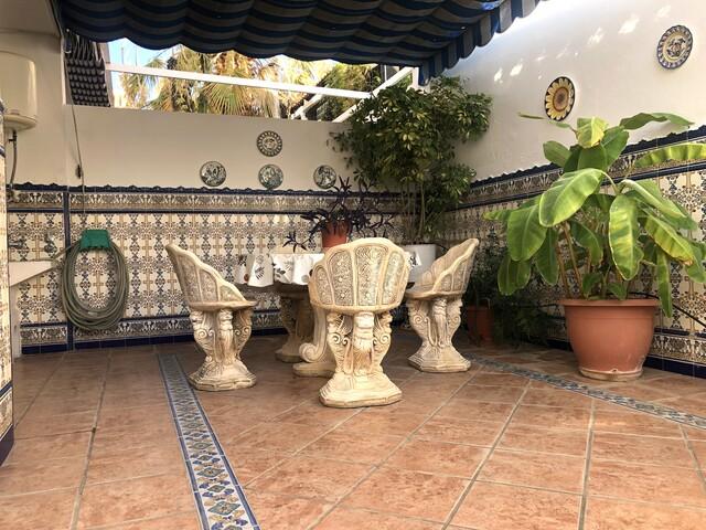 PRECIOSO CHALET CON JARDIN EN LOS PINOS - foto 9
