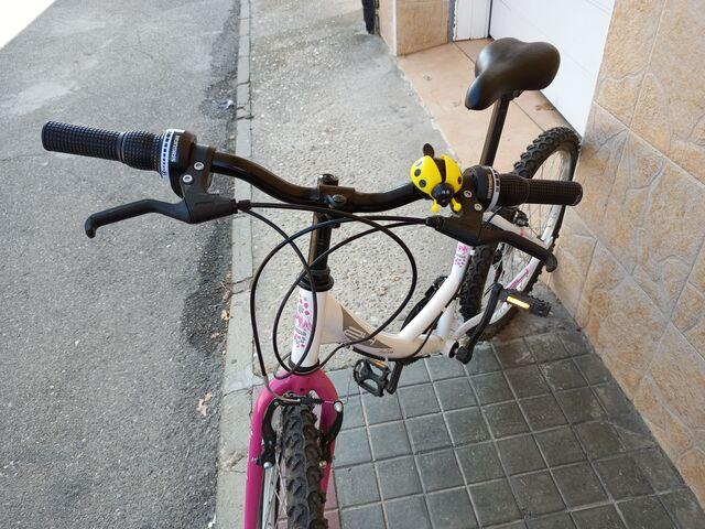 BICICLETA PARA NIÑA DE 24\\\\\\\\ - foto 2