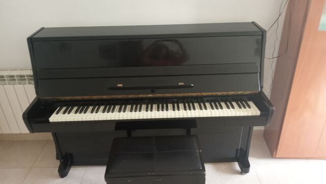 PIANO ACÚSTICO VERTICAL - foto 3
