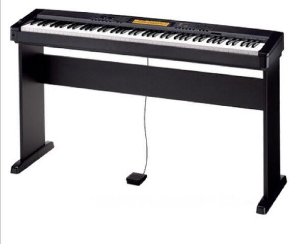 SE VENDE PIANO/TECLADO - foto 1