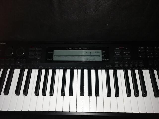SE VENDE PIANO/TECLADO - foto 2