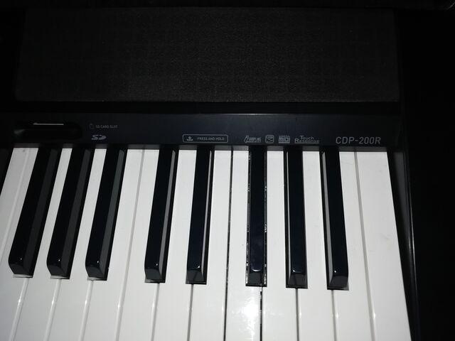 SE VENDE PIANO/TECLADO - foto 4