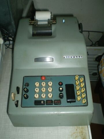 Maquina Sumadora Olivetti Años 60