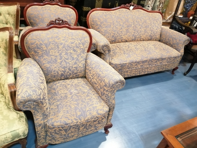 se tapizan sillas sillones tresillos