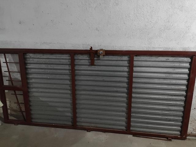 Puertas De Garaje De Hierro Con Cerradur