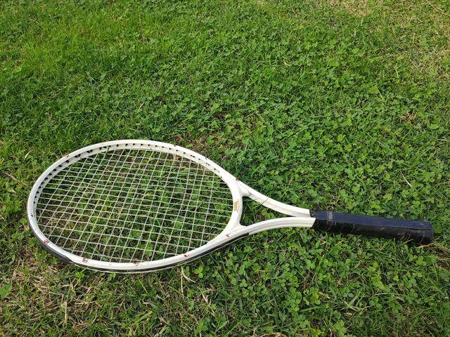 Raqueta De Tenis Y Badminton