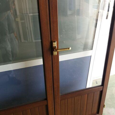 Puertas Aluminio Nogal