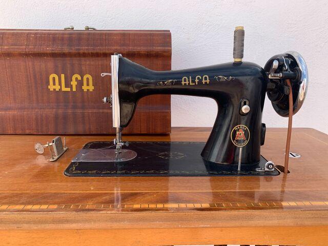 Máquina De Coser Alfa 115 Euros