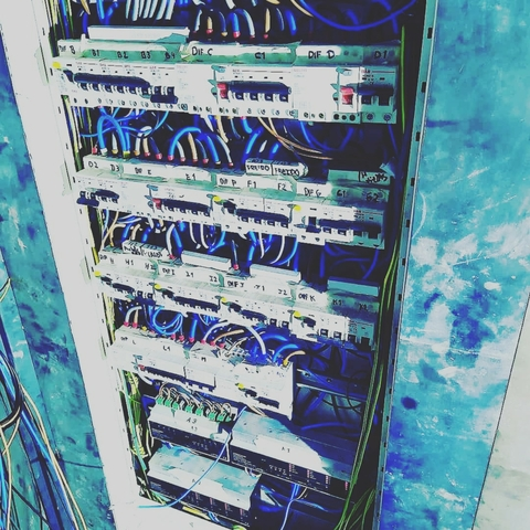 INSTALADORES ELECTRICOS Y 24 H URGENCIAS - foto 3