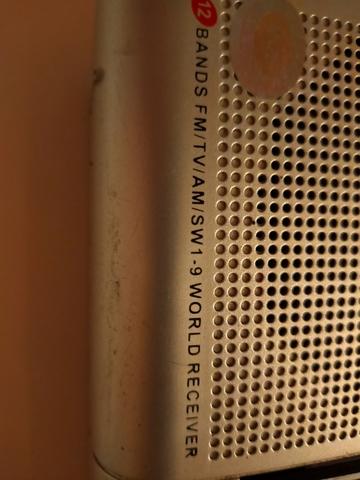 RADIO MULTIBANDAS PORTÁTIL - foto 4