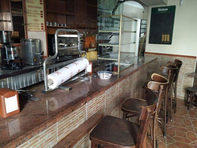 SE VENDE CAFETERIA CROASANTERIA EN MOTR - foto 1