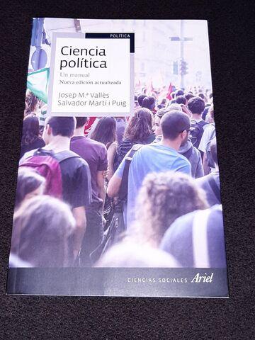 VENDO LIBROS 1º CIENCIA POLITICA UNED - foto 2