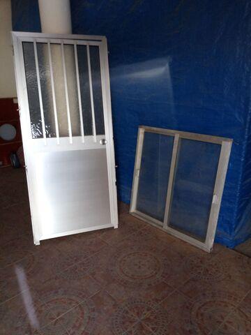 Vendo Puerta Y Ventana Aluminio