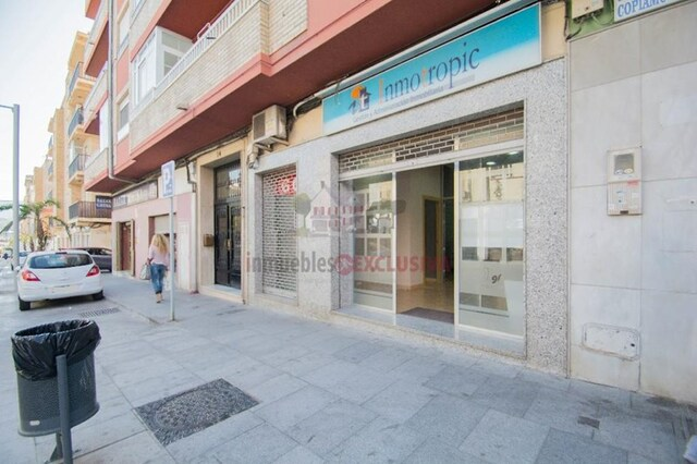 LOCAL COMERCIAL.  MOTRIL.  C/ ANCHA - foto 1
