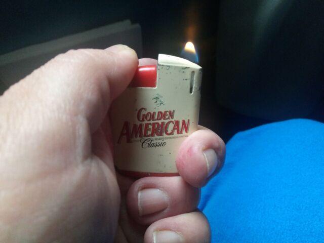 Mechero Tabaco Golden American Pequeño