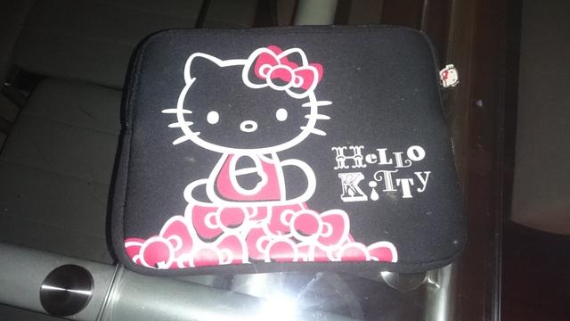 FUNDA PARA TABLET HELLO KITTY - foto 1
