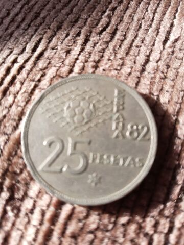 Se Vende Moneda Antigua De 25 Pesetas.