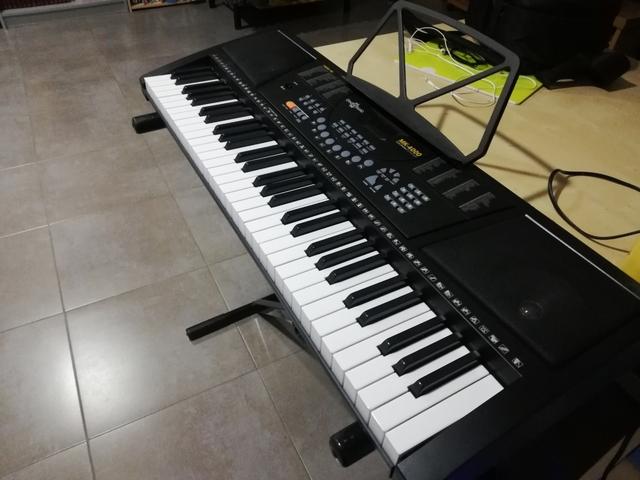 TECLADO PIANO COMPRADO EN JULIO - foto 1