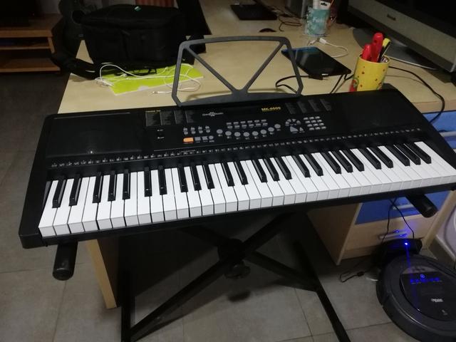 TECLADO PIANO COMPRADO EN JULIO - foto 2