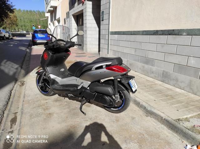 YAMAHA - X MAX 250I - foto 2