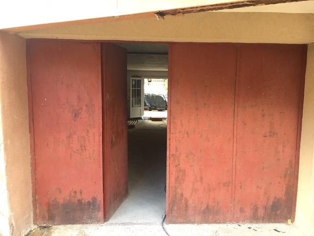Puerta De Garaje De Hierro