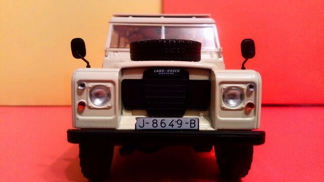 Land Rover Santana 109