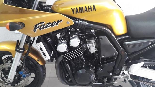 DESPIECE YAMAHA FZS 600 FAZER DORADA - foto 2