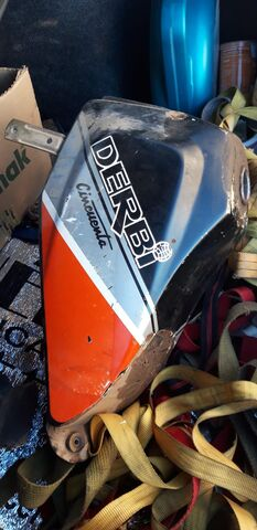 DERBI FDS 49CC DEPÓSITO GASOLINA -C865 - foto 2