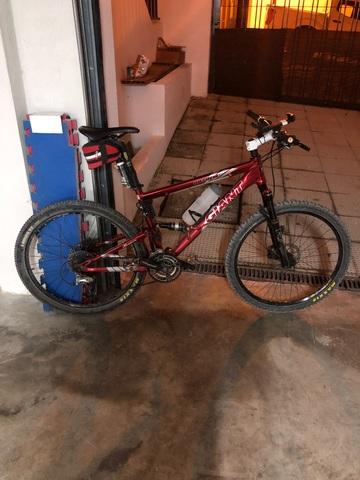Bicicleta Giant Hamten M
