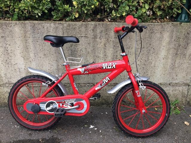 Dos Bicicletas De Niños