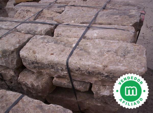 Bordillos Antiguos De Piedra En Ibiza