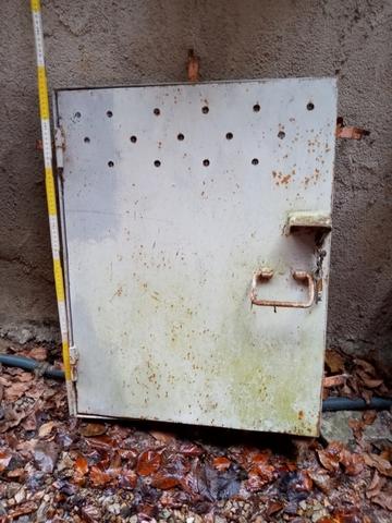 Puerta De Hierro De Registro