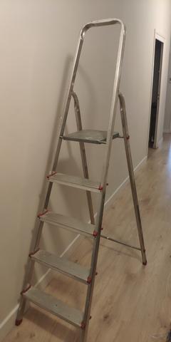 Escalera Aluminio 5 Peldaños.
