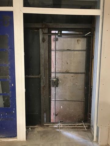 Puerta Antiocupa Y De Seguridad De Metal