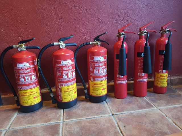 Fire Extinguishers /Extintor De Incendio