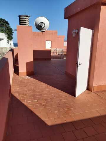 PISO EN CALETILLAS CON AZOTEA.  - foto 2