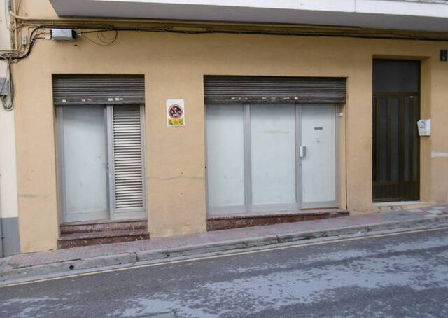 LOCAL COMERCIAL EN VENTA VARIOS USOS - foto 1