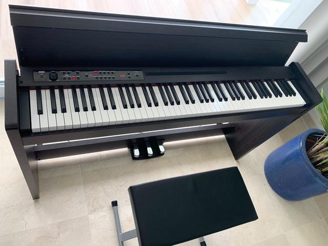 COMO NUEVO PIANO KORG LP380 - foto 3