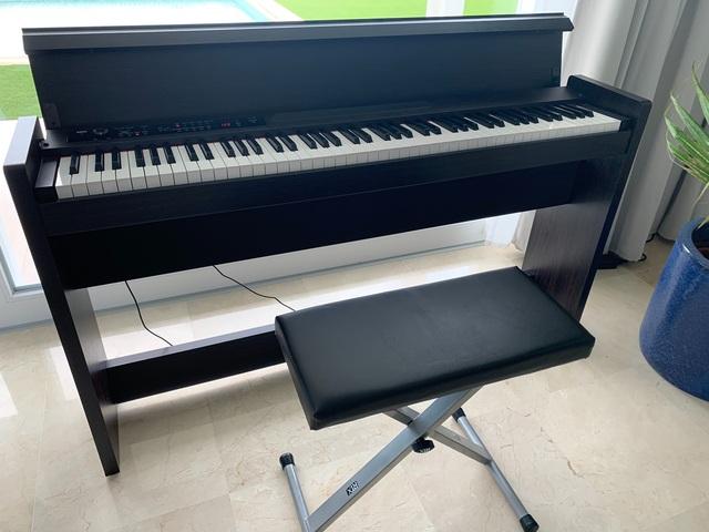 COMO NUEVO PIANO KORG LP380 - foto 4