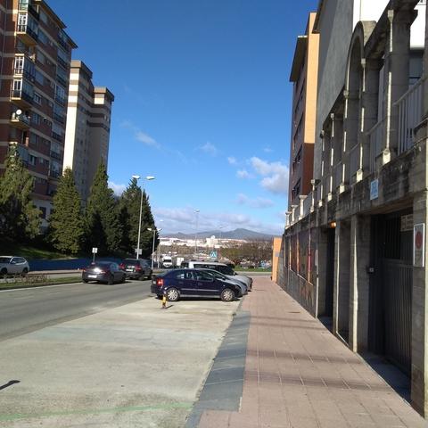 BARAÑAIN.  PLAZA RÍO ARGA - foto 2