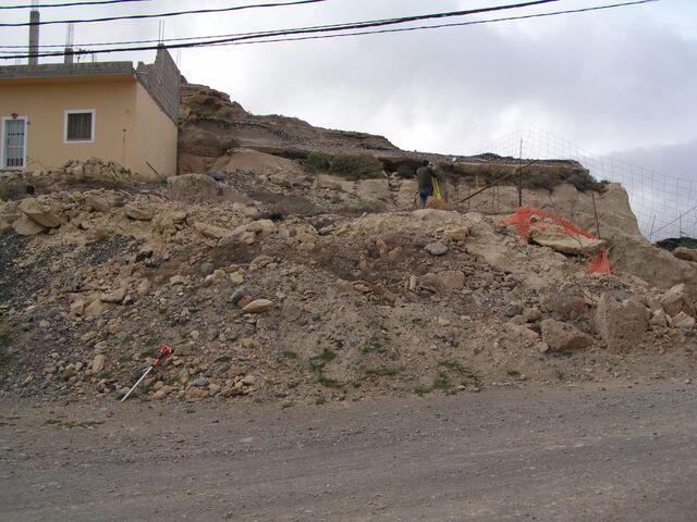 350M3 DE TIERRA Y TOSCA - foto 1