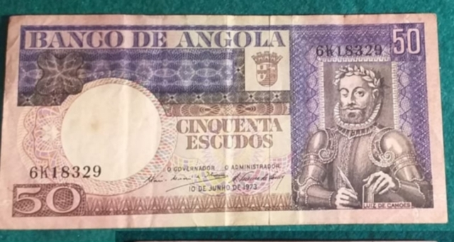 Escudos De Angola