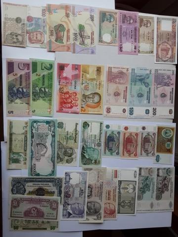 Billetes Extranjeros  Series. 3 Fotos