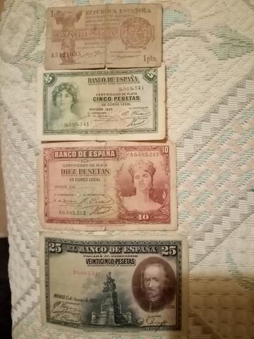 Vendo Cuatro Billetes Antiguos.