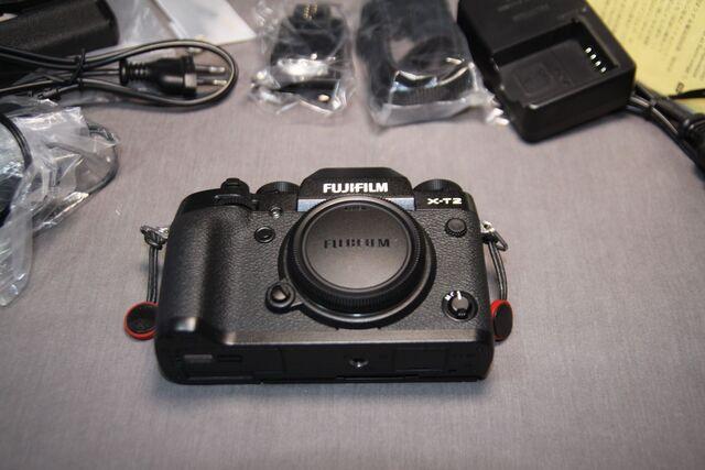 FUJIFILN X-T2 + GRIP ORIGINAL - foto 2