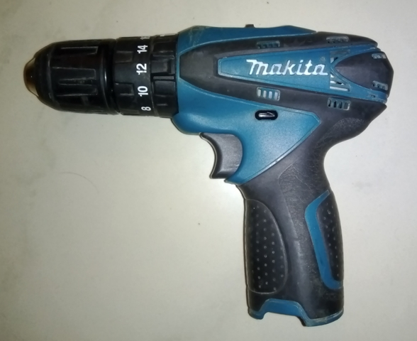 Atornillador Makita Hp330D