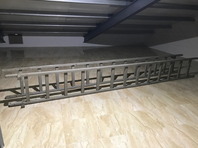 Venta De Dos Escaleras De Madera.