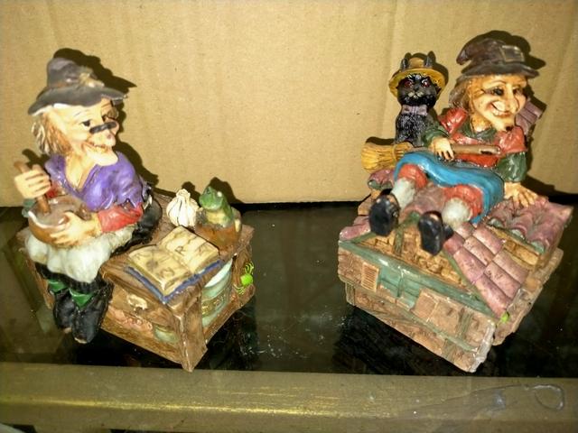 2 Cajas De Brujas